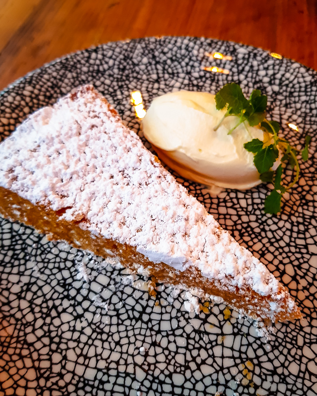almond tart and mascarpone mouse